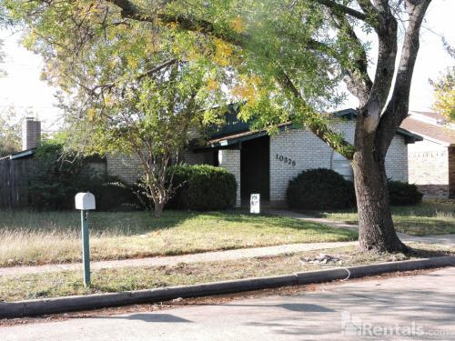 10328 Black Walnut Drive Photo 1