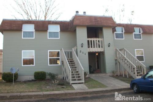 211 Glenwood Drive #4 Photo 1