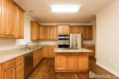 12127 Willingdon Road Photo 1