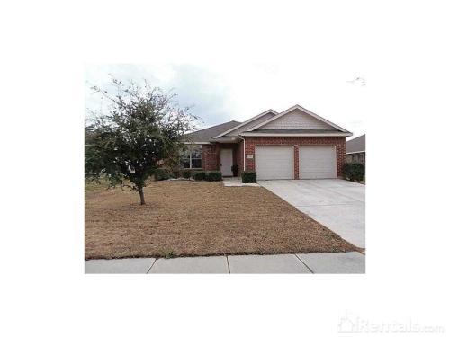 2811 Oak Crest Drive Photo 1