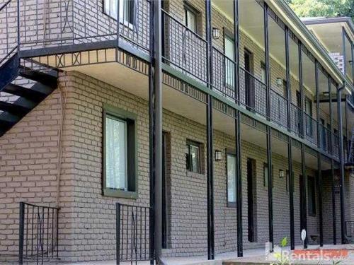 848 Myrtle Street NE Photo 1