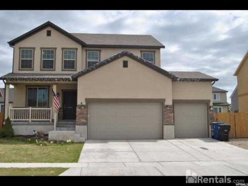 8 E Clearwater Drive Photo 1