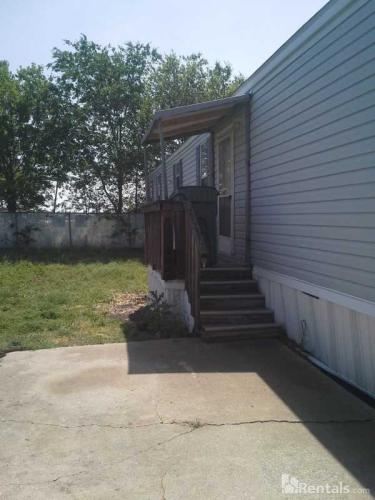 7301 Twin Parks Drive Photo 1