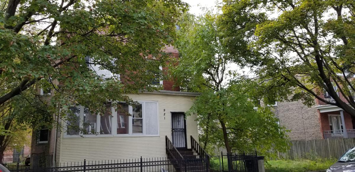921 W 54th Place Apt F2, Chicago, IL 60609 | HotPads