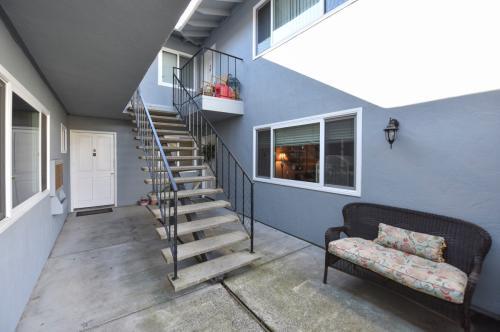 1327 Monte Vista Ave #C Photo 1