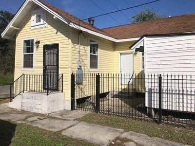 1741 New Orleans Street Photo 1