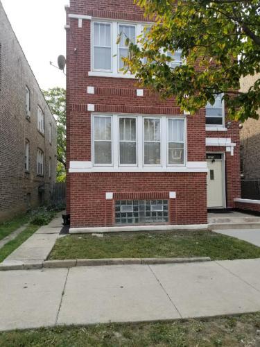 6410 S Whipple Street #1 MAIN FLOOR Photo 1