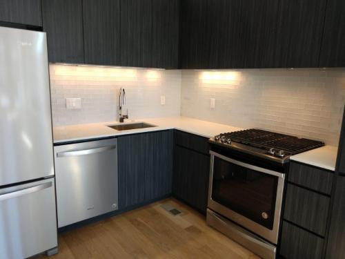 351 W Warren Avenue Photo 1