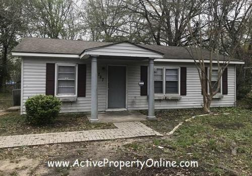 5727 Frederica Place Photo 1