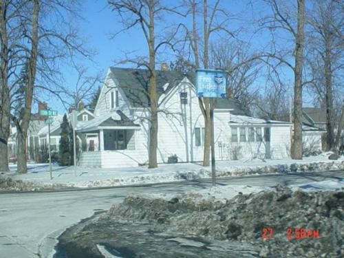 1302 Bemidji Avenue N Photo 1