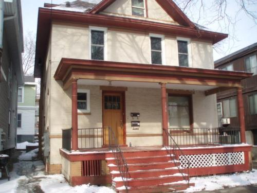 836 E Gorham St 2 Available August 1 Photo 1