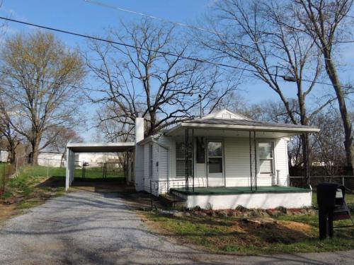 104 Sycamore Street Photo 1