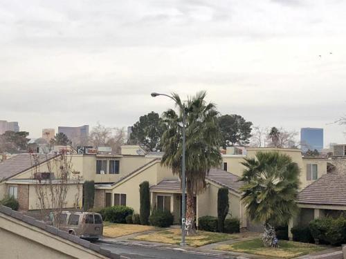 1463 Santa Anita #B Photo 1