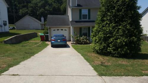 556 Forest Hill Path Photo 1