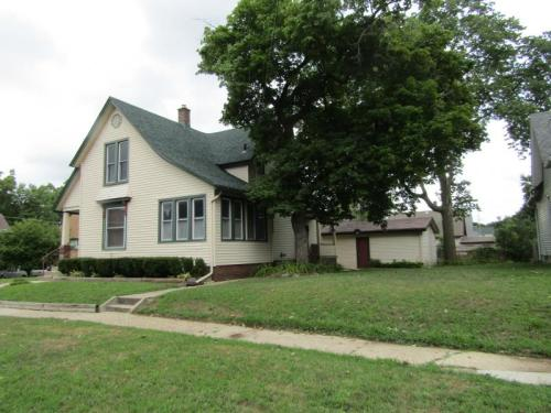 423 Merrill Street Available August Photo 1