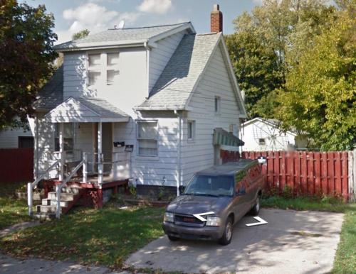 1604 Homewild Avenue Photo 1