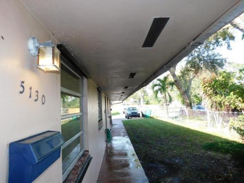 5130 SW 26 Ave #2 Photo 1