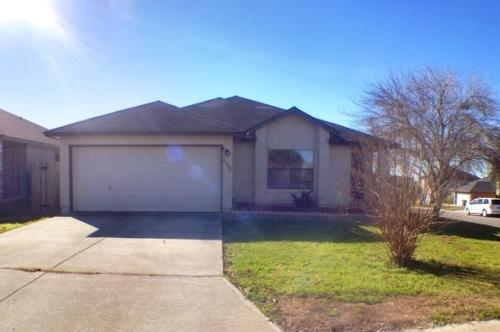 8002 Coral Meadow Photo 1