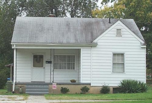 1210 Roanoke Boulevard Photo 1