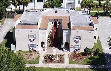 241 E Seminole Avenue Photo 1