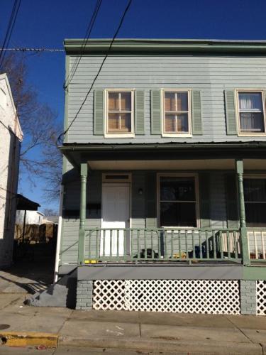 111 6th Street A Photo 1