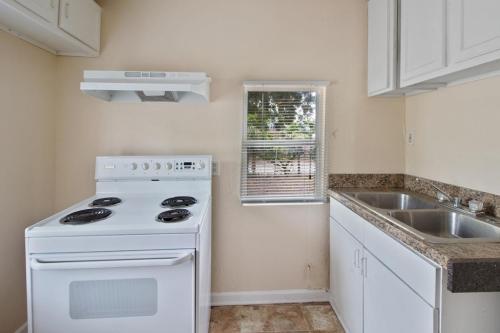 4063 9th Avenue S Photo 1