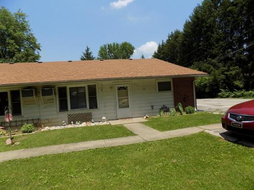 8001 E Old Maple Avenue Photo 1