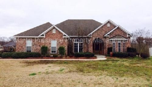 423 E Frenchmans Bend Rd Photo 1