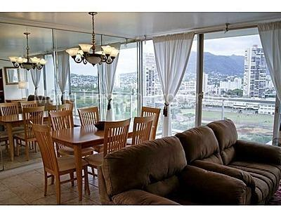 2233 Ala Wai Blvd Apt 19C Photo 1