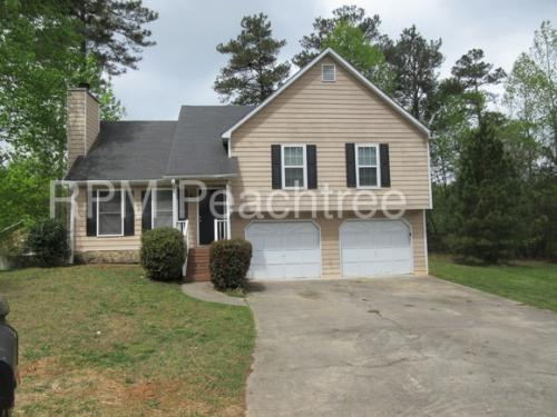 215 Kiowa Ct SE Photo 1