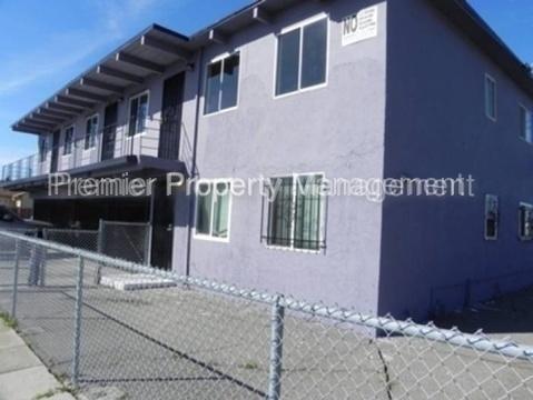 3827 Waller Ave Photo 1