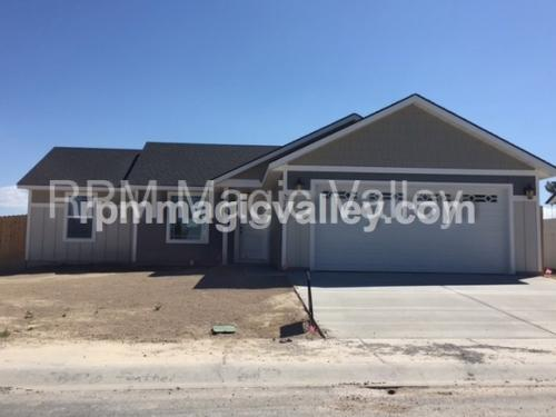 370 Feather Ave Photo 1