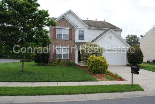10705 Mountain Springs Dr Photo 1