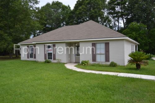 13301 Savannah Dr Photo 1