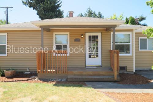8636 SE Garden Lane Photo 1