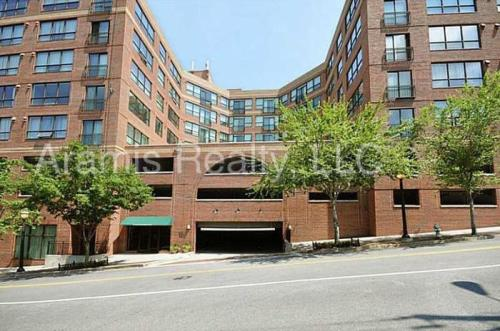 115 W Peachtree Place NW #719 Photo 1