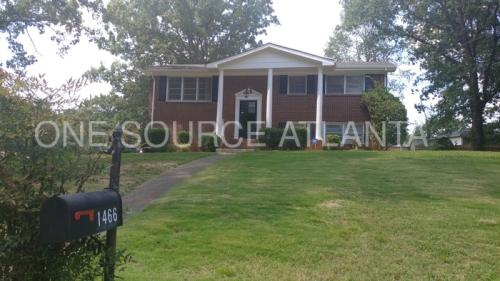 1466 Town Country Dr SE Photo 1