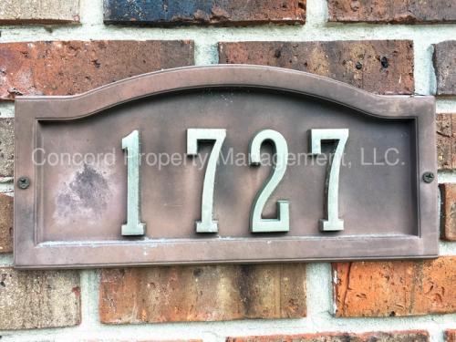 1727 Lee St Photo 1