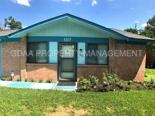 1307 Green Downs Dr Photo 1