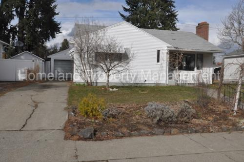 1027 E 38th Avenue Photo 1