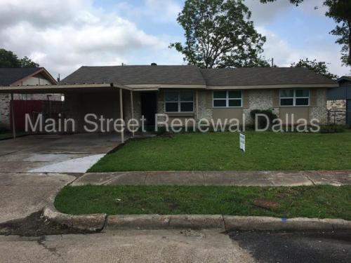 1012 Moore Dr Photo 1