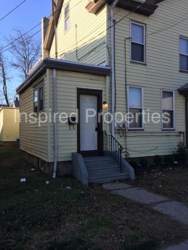 414-416 Ridgeway St #A Photo 1
