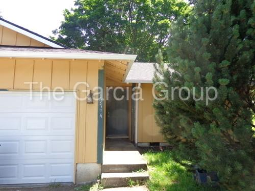 19712 SW 68th Ave Photo 1