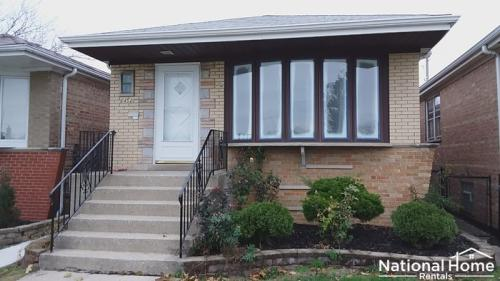 6452 W 63rd Place Photo 1