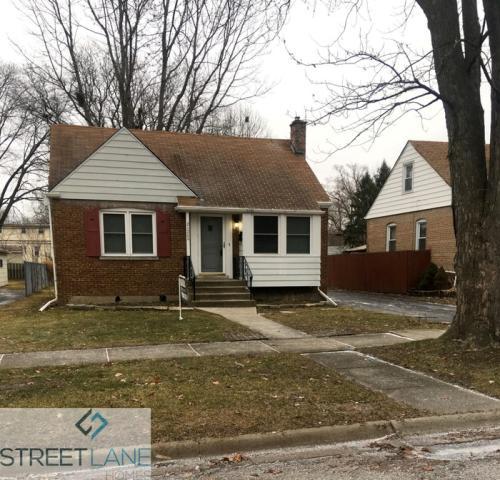21209 Oak Street Photo 1