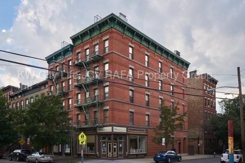 211 Washington Street Photo 1