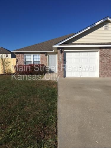 205 Golfview Drive Photo 1