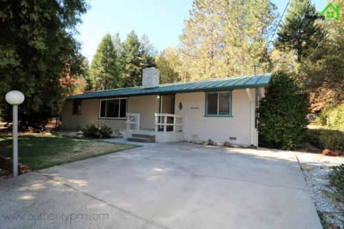 20450 Lakeview Drive Photo 1