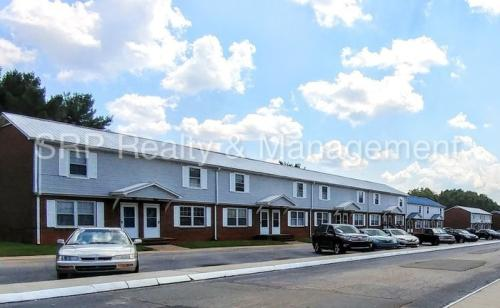 2345 Statesville Boulevard Photo 1