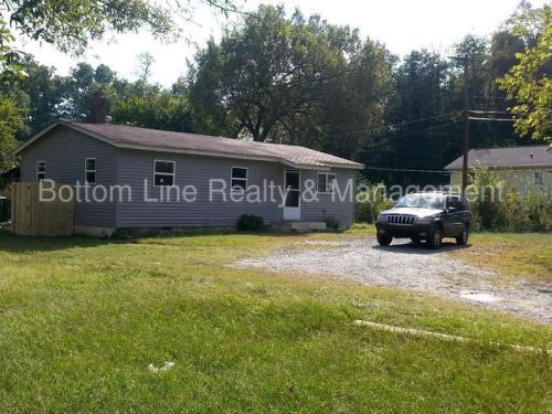 4016 Bearwood Avenue Photo 1